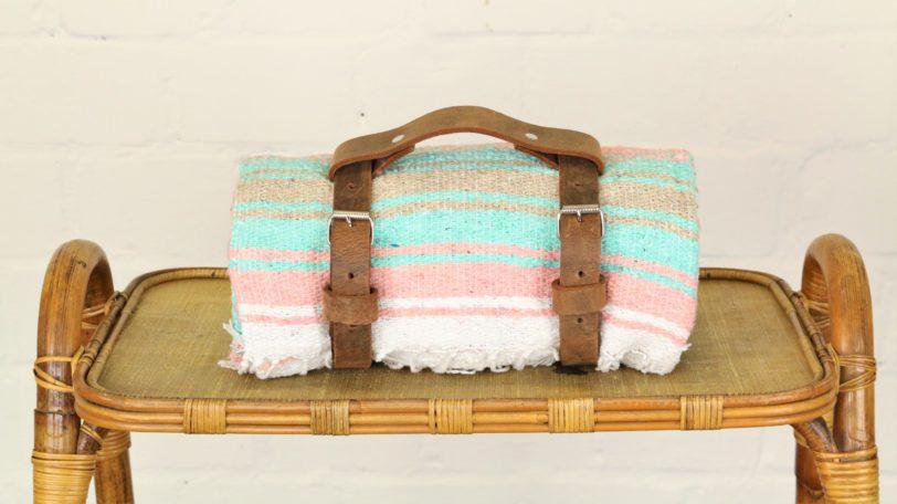 Tragegurt für Decken braun